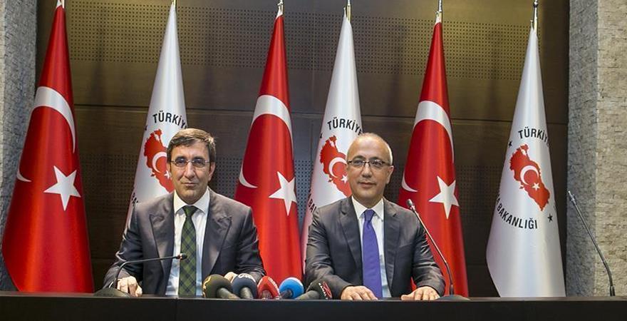 Kalkınma Bakanı Lütfi Elvan görevi Kalkınma eski Bakanı Cevdet Yılmaz'dan devraldı
